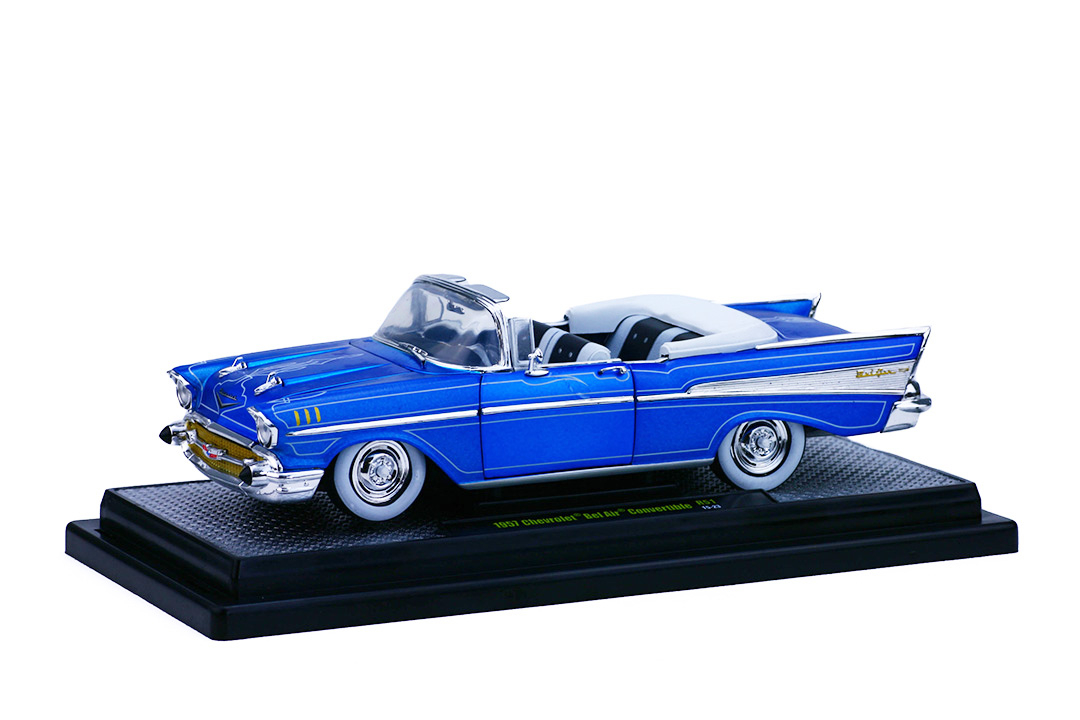 Elegant M2 Machines Auto Thentics 1:24 1957 Chevrolet Bel Air Convertible R51 Tom  Kelly