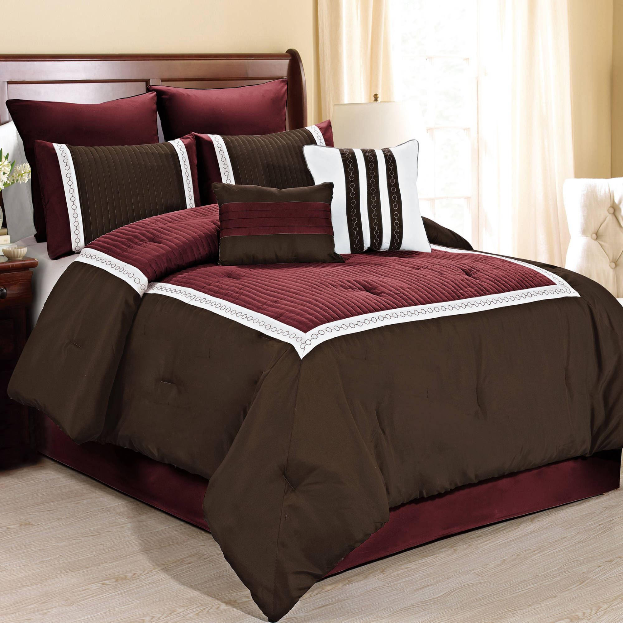 Fashion Street Giornali 8-Piece Bedding Comforter Set