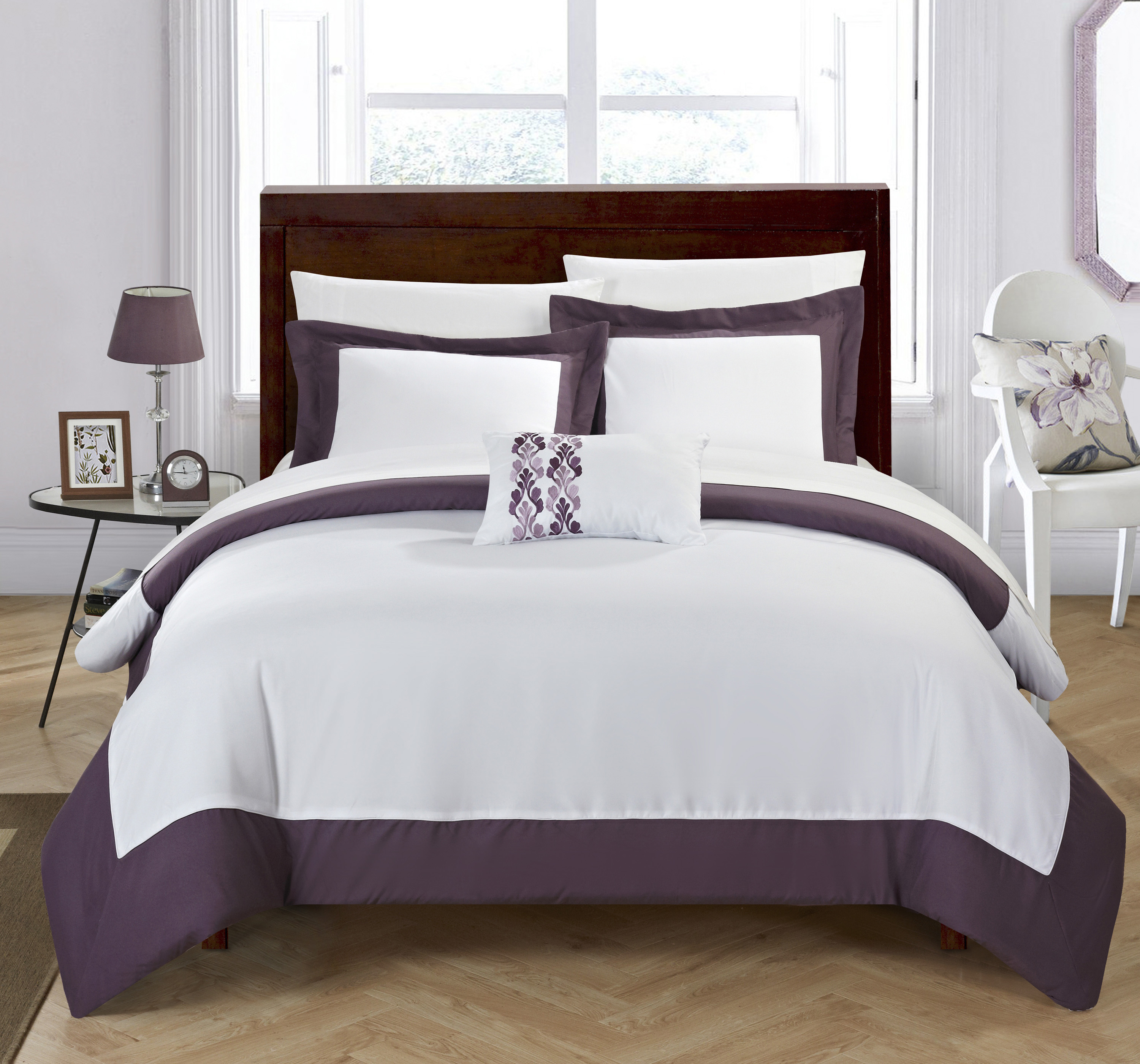 Chic Home 8-Piece Uma MODERN TWO TONE REVERSIBLE HOTEL COLLECTION, with embellished borders and embroidery decor pillow Queen Bed In a Bag Duvet Set Plum With White Sheets included