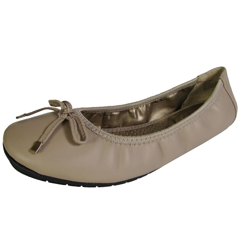 Me Too Womens Halle Leather Ballet Flat Shoe by Me Too