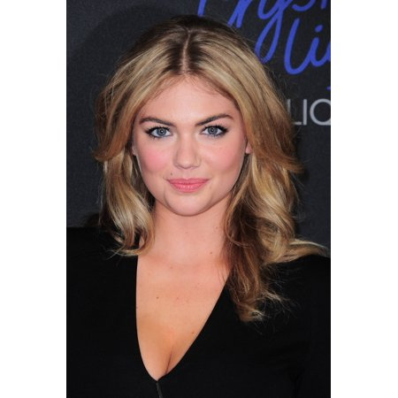 Kate Upton At Arrivals For 2013 Style Awards Rolled Canvas Art     8 X 10