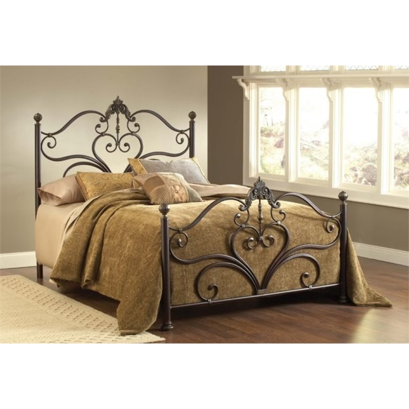 Bowery Hill Queen Poster Bed in Antique Brown