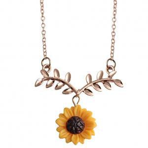 Fancyleo Gold-Color Hope Flowers Sunflower Clavicular Bones Pendant Short Yellow Daisy Flower Necklace Romantic Gift