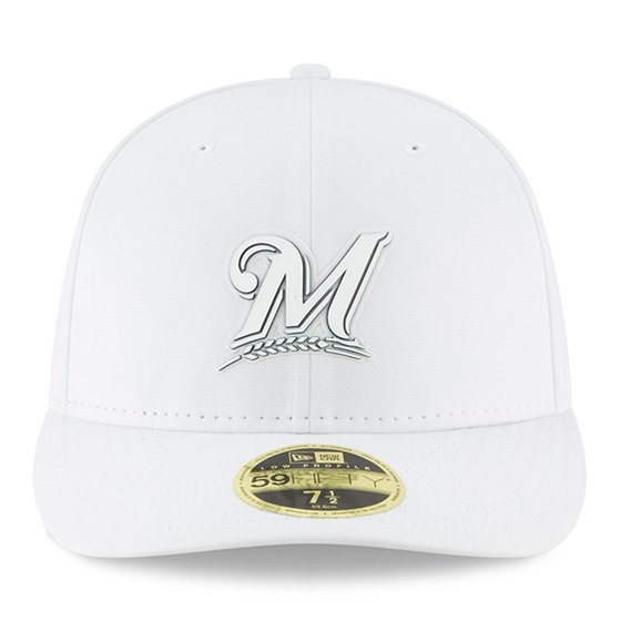 100% authentic 39b30 6812a Milwaukee Brewers New Era 2018 Clubhouse Collection Low Profile 59FIFTY  Fitted Hat - White - Walmart.com