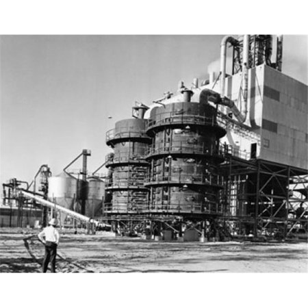 Posterazzi SAL25536604 Fuel Storage Tank in a Chemical Plant Port St. Joe Florida USA Poster Print - 18 x 24 in. - image 1 de 1