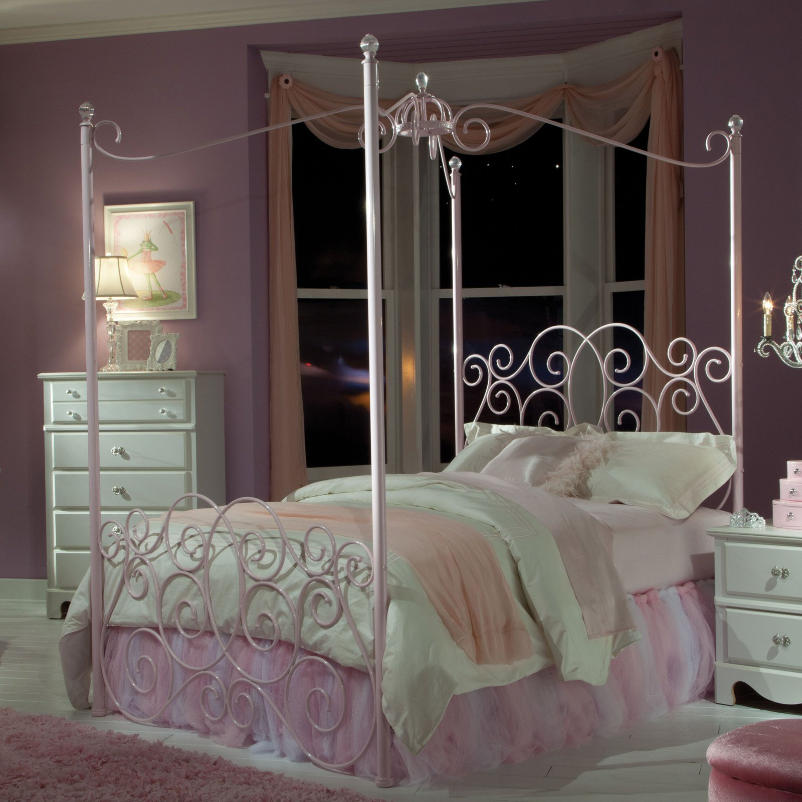 Standard Furniture Princess Metal Canopy Bed