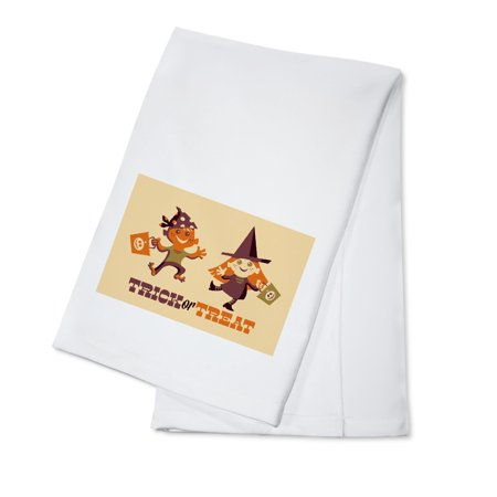 Trick or Treat Kids - Retro Halloween - Lantern Press Artwork (100% Cotton Kitchen Towel) - Easy Potluck Dishes Halloween