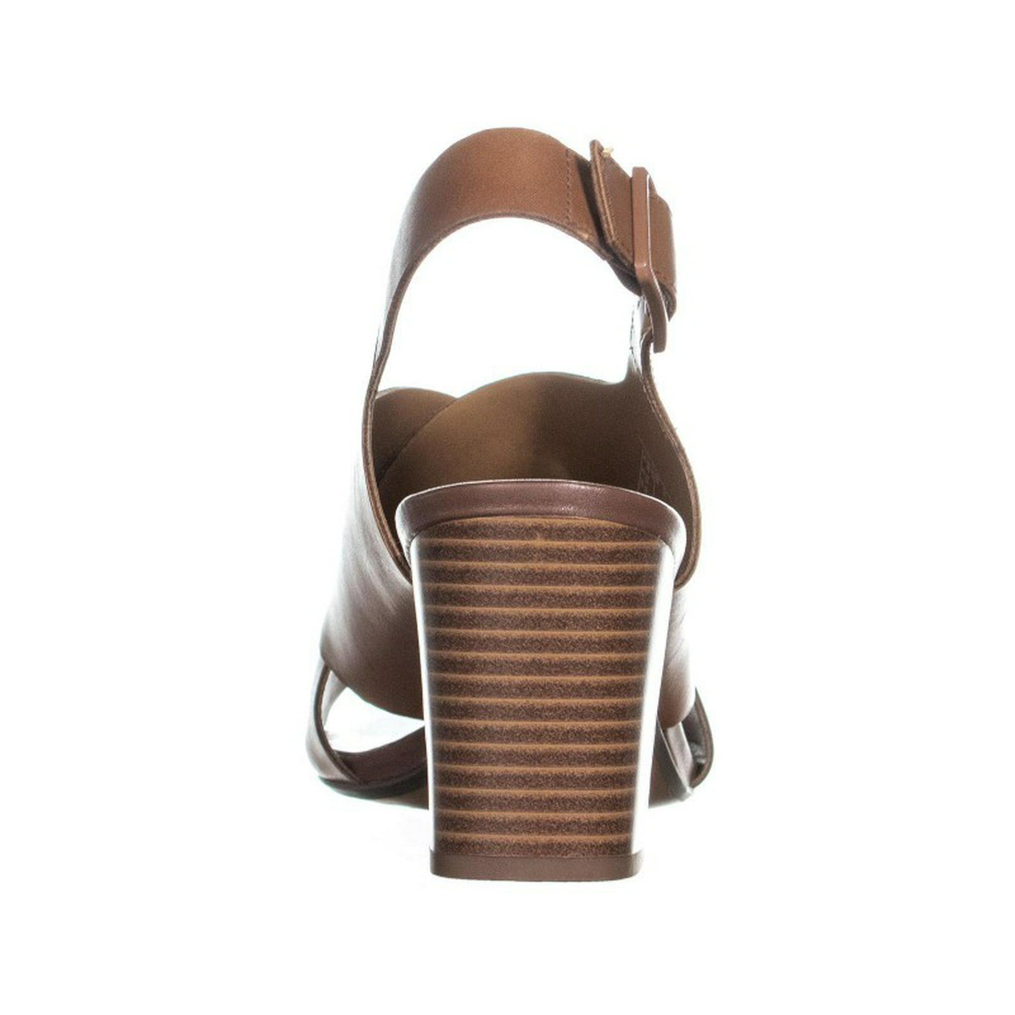 2d0e971d1fd Clarks Deva Janie Block Heel Sandals