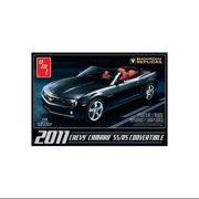 AMT 757 1/25 2011 Chevy Camaro SS/RS Convertible Model Kit