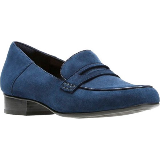 a31a5873716 Part of the Clarks Collection Cushion Plus technology OrthoLite footbed  Textile lining and sockliner Steel shank. Women s Clarks Keesha Cora Penny  Loafer