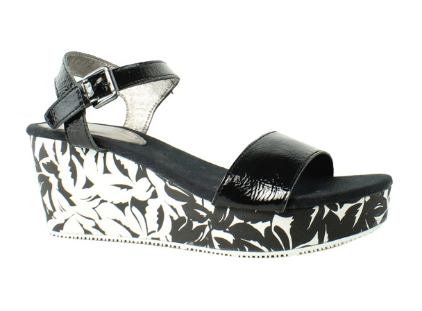 Tommy Bahama Womens TB7S00009-01A-B-001 Black Strap Sandals Size 8 New by Tommy Bahama