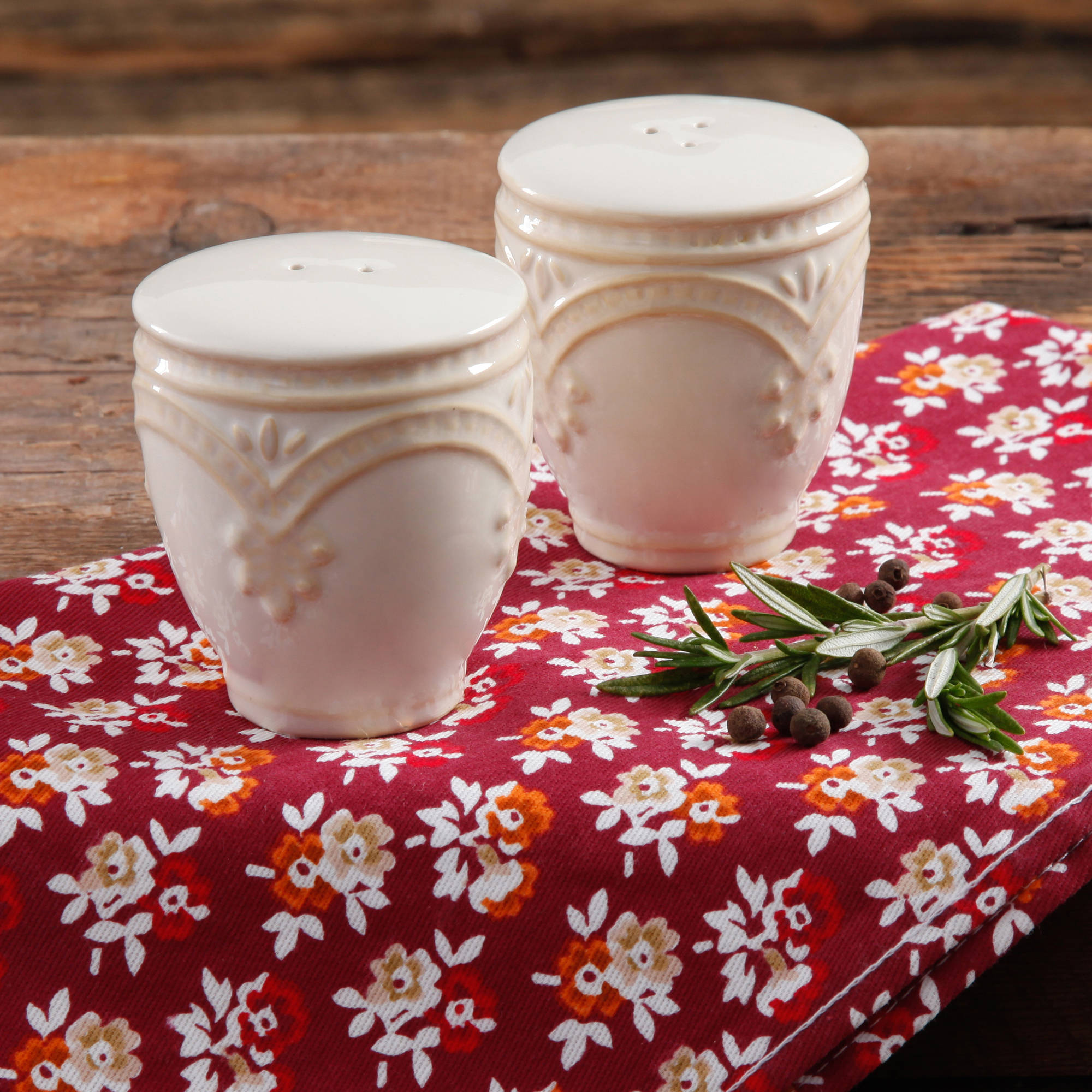 The Pioneer Woman Farmhouse Lace Linen Salt and Pepper Set