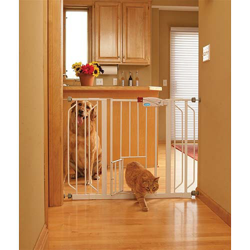 Carlson Extra-Wide Walk-Thru Gate with Pet Door 0930PW, White