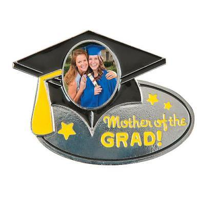 IN-13729107 Mother of the Grad Photo Frame Pin
