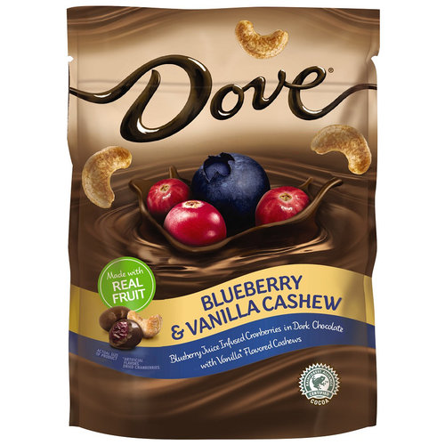 DOVE Fruit Blueberry and Vanilla Cashew Chocolate Snack Pouch, 5.5 oz by Mars Chocolate