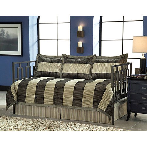 Skyline 5 piece daybed set for Cityscape bedroom furniture collection