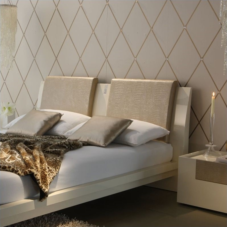 Rossetto Diamond Headboard Pillows in Ivory (Set of 2) by Rossetto