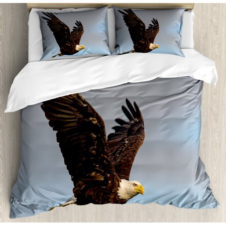 Eagle Queen Size Duvet Cover Set, Photo of a Hunter Bird Flying in Open Sky Majestic Animal Wildlife Freedom, Decorative 3 Piece Bedding Set with 2 Pillow Shams, Pale Blue
