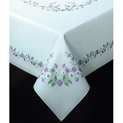 "Tobin Rhapsody Stamped Oblong Tablecloth For Embroidery, 58"" x 86"""