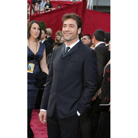 Javier Bardem At Arrivals For Red Carpet - 80Th Annual Academy Awards Oscars Ceremony The Kodak Theatre Los Angeles Ca February 24 2008 Photo By Emilio FloresEverett Collection - Plastic Oscar Award