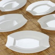 Efavormart 50 Pcs Crescent Oval Shaped Disposable Plastic Plate Dinner Plates For Wedding Catering Party