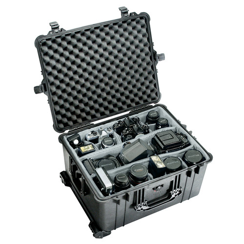 Pelican Products Equipment Case: 19.38'' x 24.81'' x 13.88''