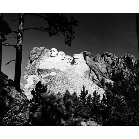 Mount Rushmore Nview Of Mount Rushmore National Memorial In South Dakota Featuring (Left To Right) The Likenesses Of US Presidents George Washington Thomas Jefferson Theodore Roosevelt And Abraham