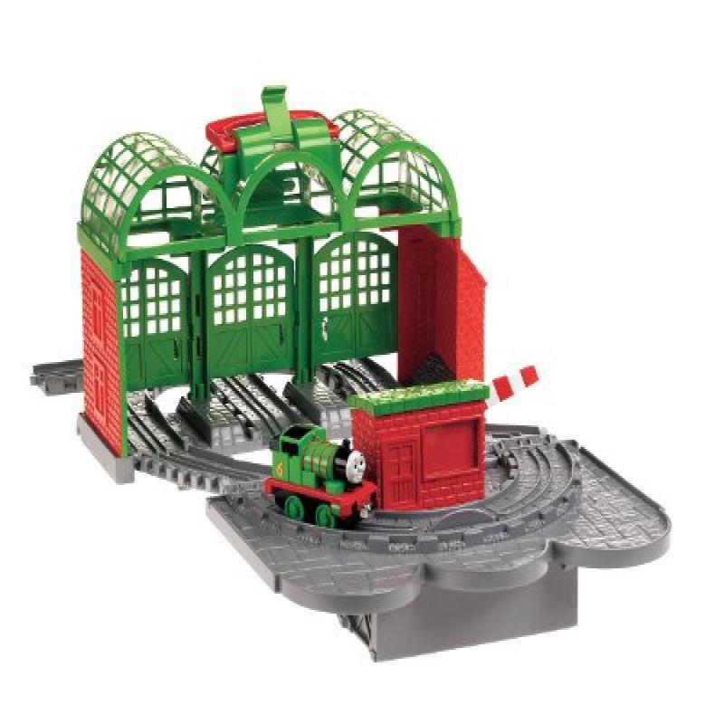 Thomas the Train: Take-n-Play Knapford Station by