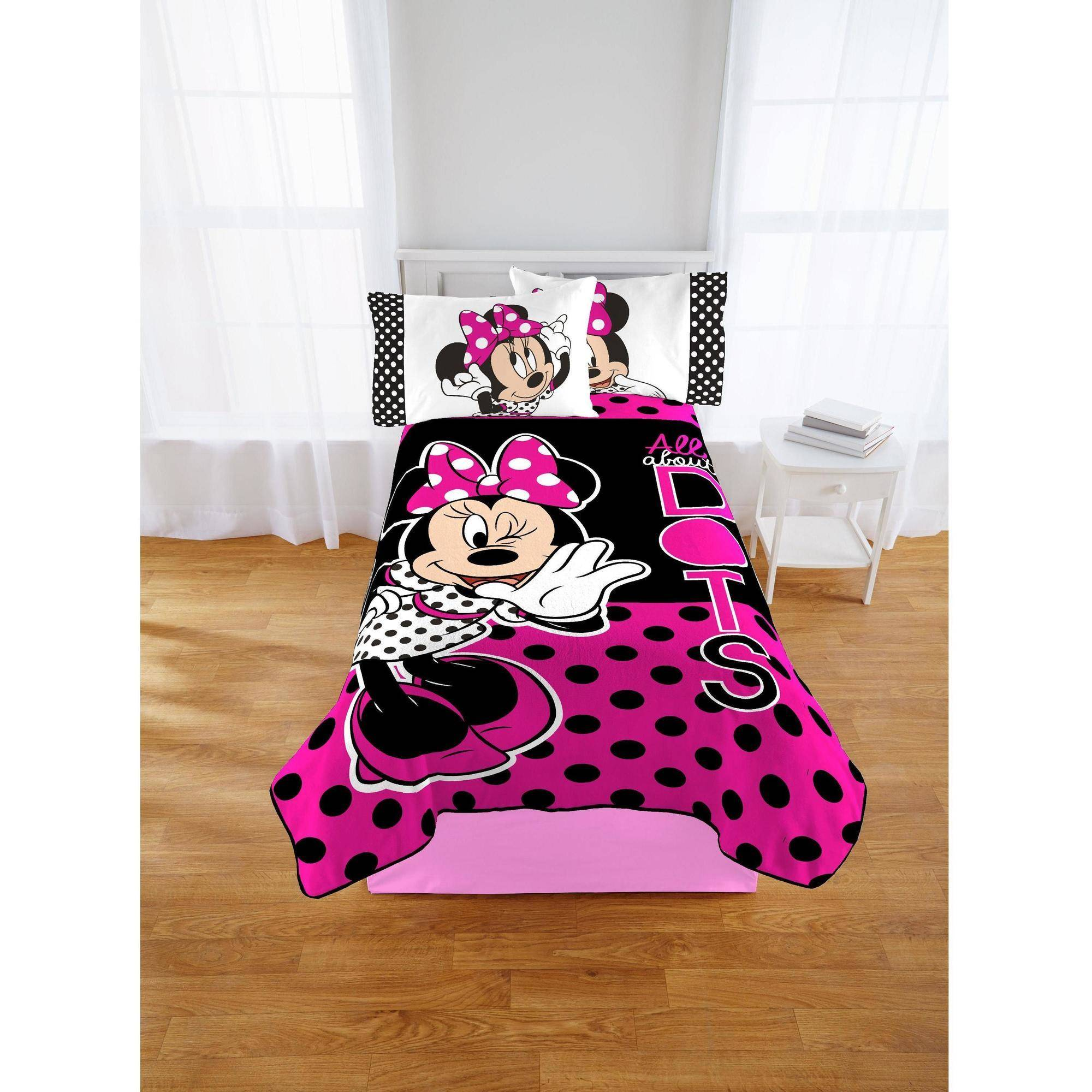Disney Minnie Dots Are The New Black Blanket, 1 Each