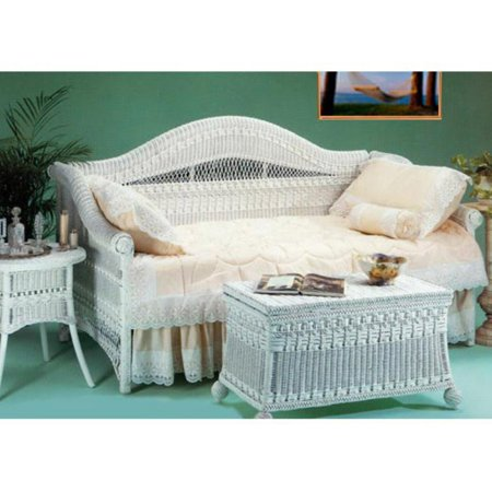 Classic Wicker Daybed ()