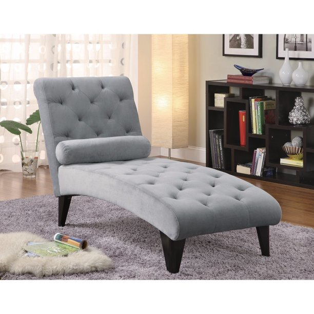 Tufted Chaise With Small Bolster Pillow