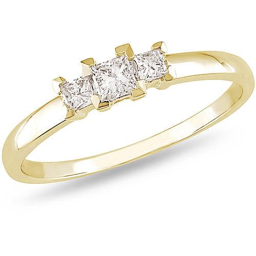 1/4 Carat T.W. Princess-Cut Three-Stone Diamond Engagement Ring in 10kt Yellow Gold