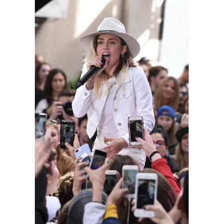 Miley Cyrus On Stage For Nbc Today Show Concert With Miley Cyrus Rockefeller Plaza New York Ny May 26 2017 Photo By Derek StormEverett Collection Celebrity (Miley Halloween 2017)