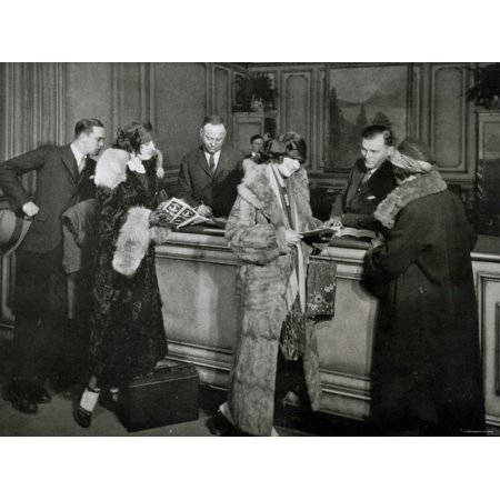 Passengers Purchasing Tickets at the Ticket Office of the Great Northern Railway, Chicago, 1920S Print Wall Art