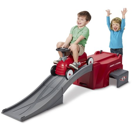 Radio Flyer, Flyer 500 Ride-on with Ramp and Car, Red