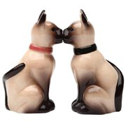 Siamese Cats 3 1/2'' Magnetic Salt and Pepper Shakers