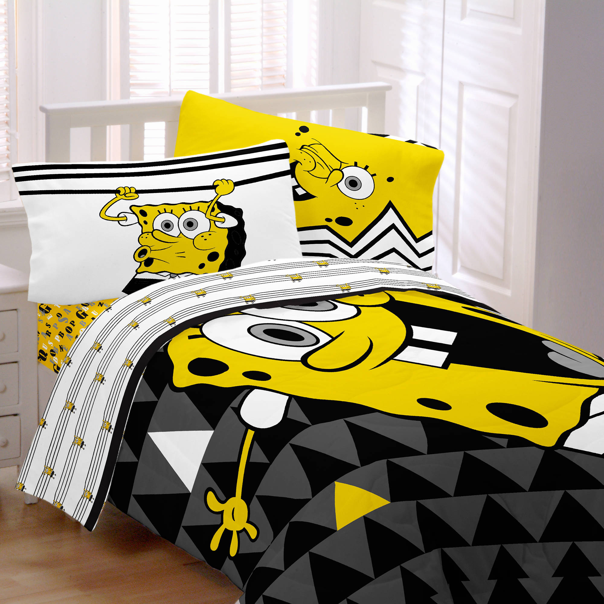 Nickelodeon's SpongeBob Try Angle Reversible Twin/Full Comforter
