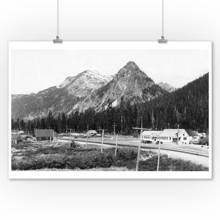 Snoqualmie Pass Summit and Lodge Photograph (9x12 Art Print, Wall Decor Travel Poster)