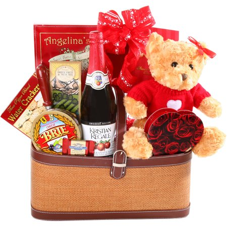 Alder Creek Romantic Picnic for Two Valentine Gift Basket, 10 pc