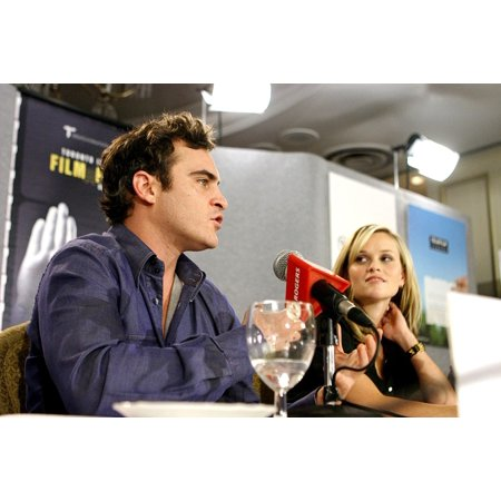 Joaquin Phoenix Reese Witherspoon At The Press Conference For Walk The Line Premiere At Toronto Film Festival Sutton Place Hotel Toronto On September 13 2005 Photo By Malcolm TaylorEverett (Reese Witherspoon And Joaquin Phoenix Times A Wastin)