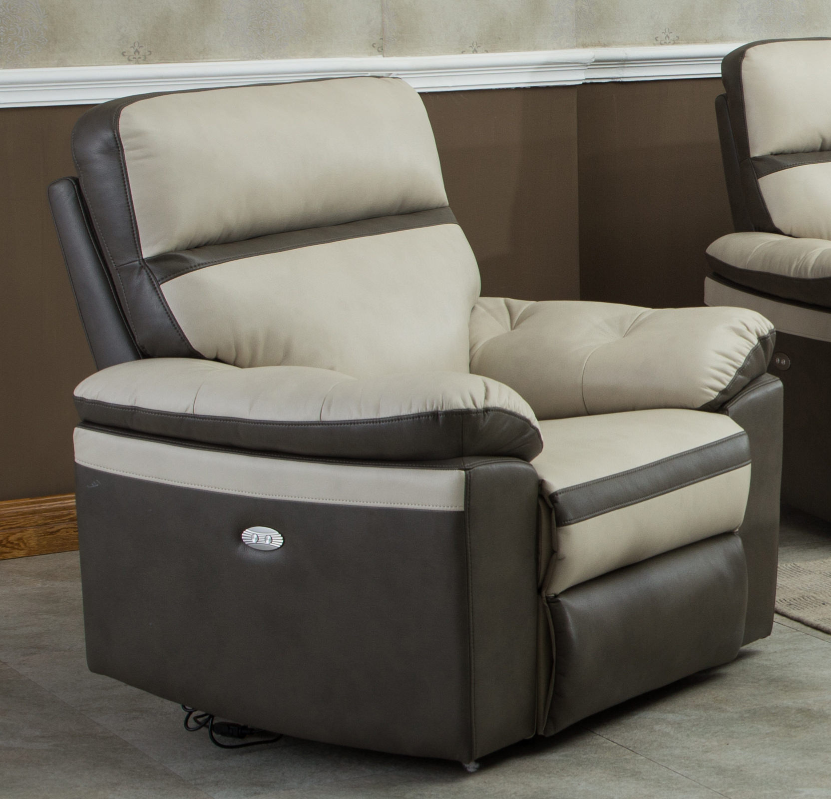 Charmant Gordon Motion Two Tone Leather Air Electric Power Recliner Chair