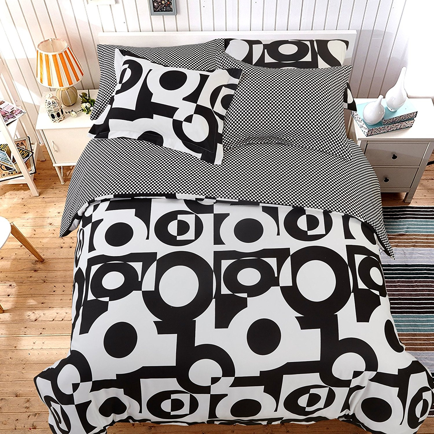 NTBAY 5 Pieces Black and White Reversible Fashionable and Simple Geometric Pattern Printed Microfiber Duvet Cover Set with Hidden Zipper, Soft & Breathable(King, Circle)