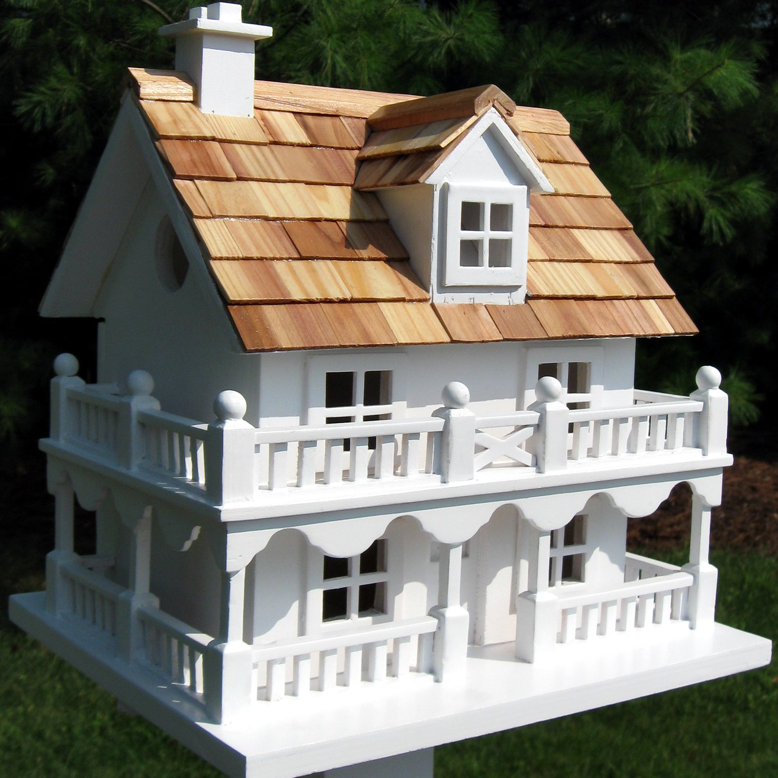 Home Bazaar Novelty Cottage Birdhouse by Home Bazaar Inc