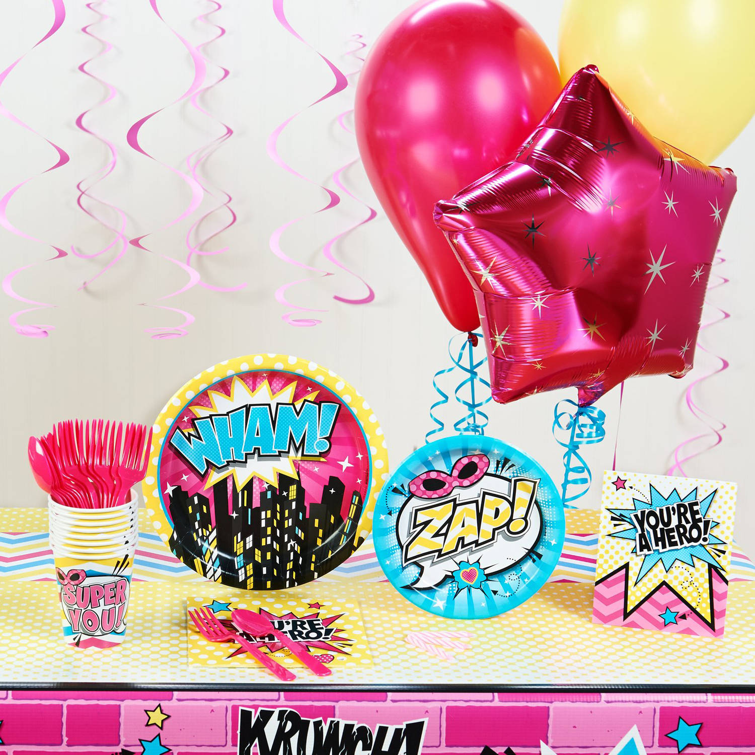 Superhero Girl Deluxe Party Pack