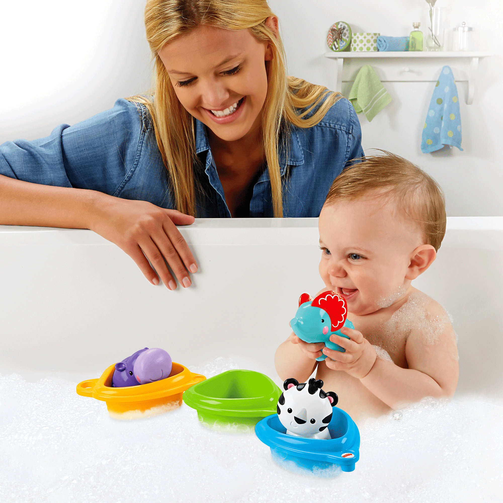 Fisher Price Scoop & Link Bath Boats by Fisher-Price