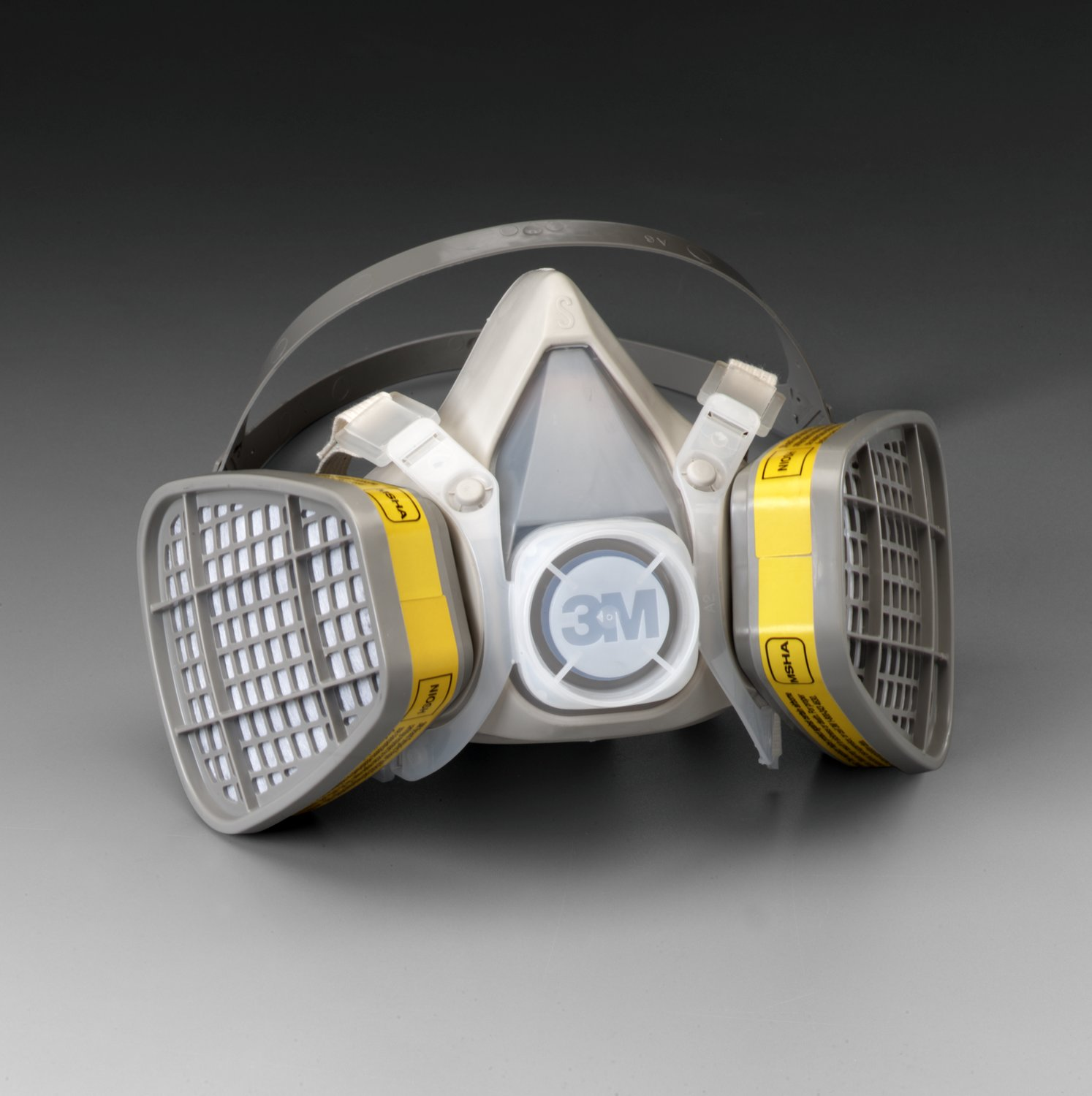 3M Medium Black Thermoplastic Elastomer Half Mask 5000 Series Disposable Air Purifying Respirator With 4 Point Harness