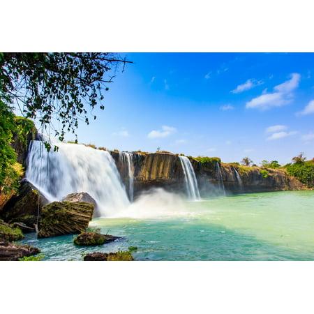 LAMINATED POSTER Write Dak Nur Waterfall Male Lak Dray Poster Print 24 x 36 (Nur Shop 24 Gutscheine)