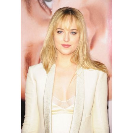 Dakota Johnson Poster 24Inx36in Poster