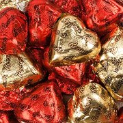 Reese's Valentine's Day Hearts, Heart Shaped Milk Chocolate Peanut Butter Candy In Red And Gold Foil Wrapping, Bulk Pack 5 Pounds