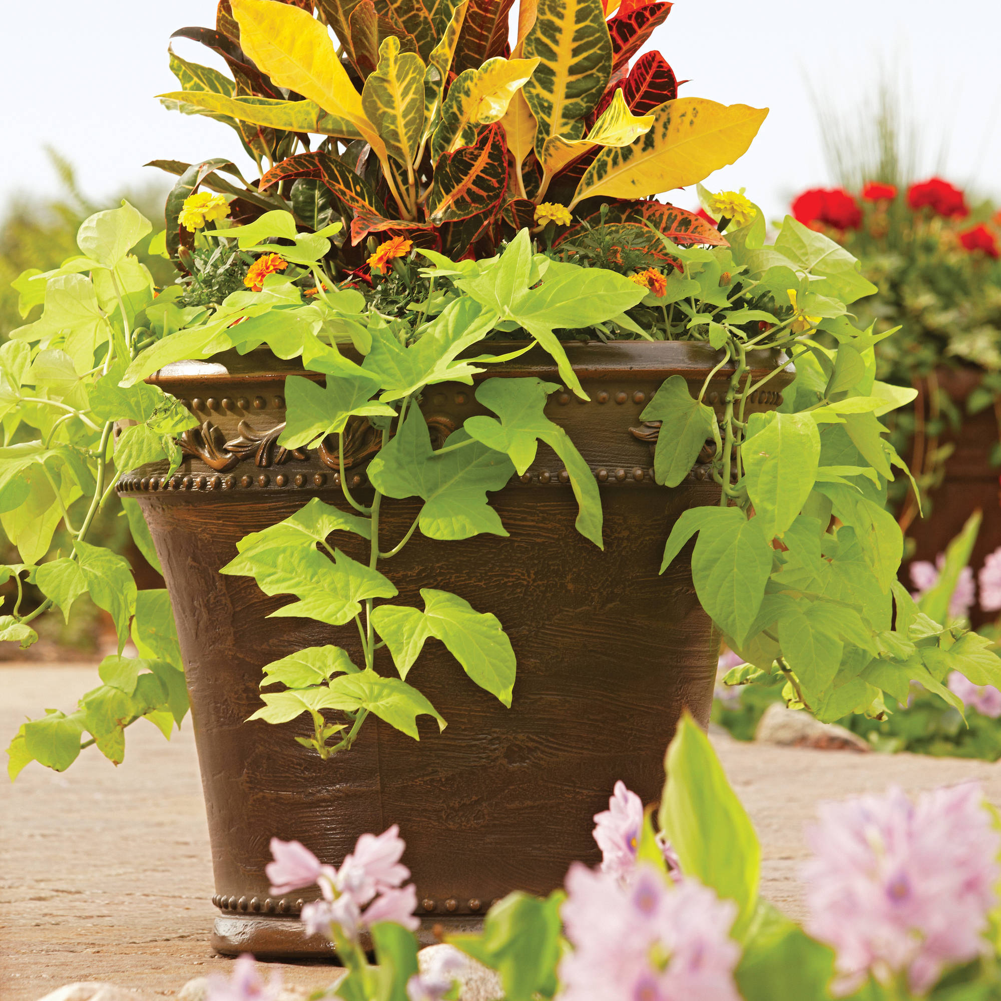 Better Homes and Gardens Monteverde Planter, Multiple Sizes